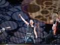Руслана на Майдані співала з W.H.I.T.E., а посміхалася BLUE (і ніякої політики:)