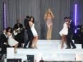 Плаття Мераї Кері порвалося в прямому ефірі GMA