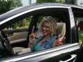 Беременная Таня Пискарева подрабатывает таксистом?