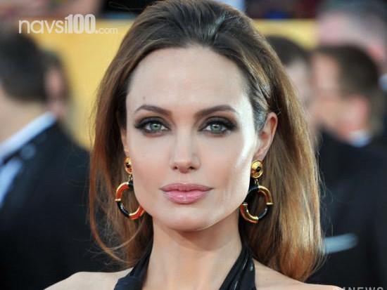Анджелина Джоли подыскивает пиар-менеджера