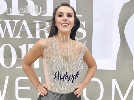 """Джамала в сукні зі шпичаками побачила, як вручають """"Brit Awards"""""""