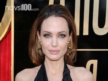 Анджеліна Джолі важить менше 11-річної дочки, Бред Пітт просить актрису звернутися до лікаря
