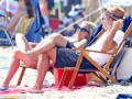 Леді Гага засвітилась в бікіні на пляжі в Каліфорнії