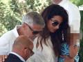 Джорджа Клуни впервые видели после аварии в Италии